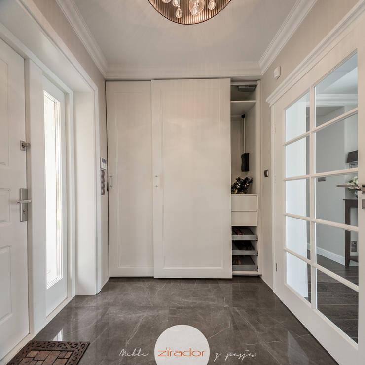 Meble do stylowej willi w małopolsce: styl , w kategorii Korytarz, hol i schody zaprojektowany przez Zirador - Meble tworzone z pasją