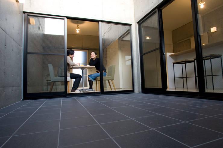 .: アトリエ・バウ 1級建築士事務所が手掛けた窓です。