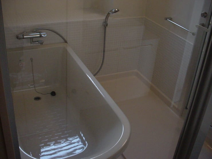 .: アトリエ・バウ 1級建築士事務所が手掛けた浴室です。