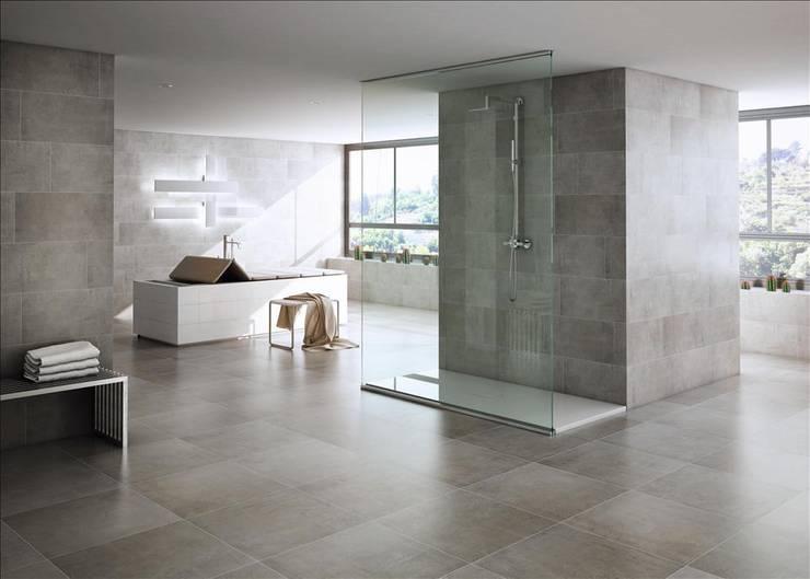 Gres porcelánico modelo TEKNO: Baños de estilo  de INTERAZULEJO