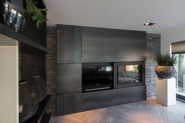Salon de style de style Moderne par Medie Interieurarchitectuur