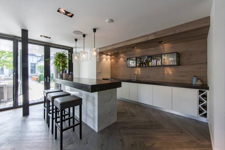 廚房 by Medie Interieurarchitectuur