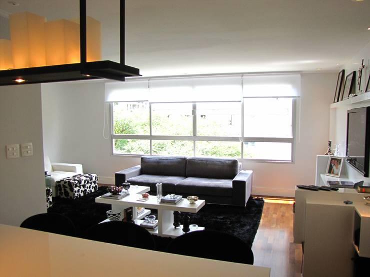 vista sala de estar: Salas de estar modernas por Arquitetura Juliana Fabrizzi