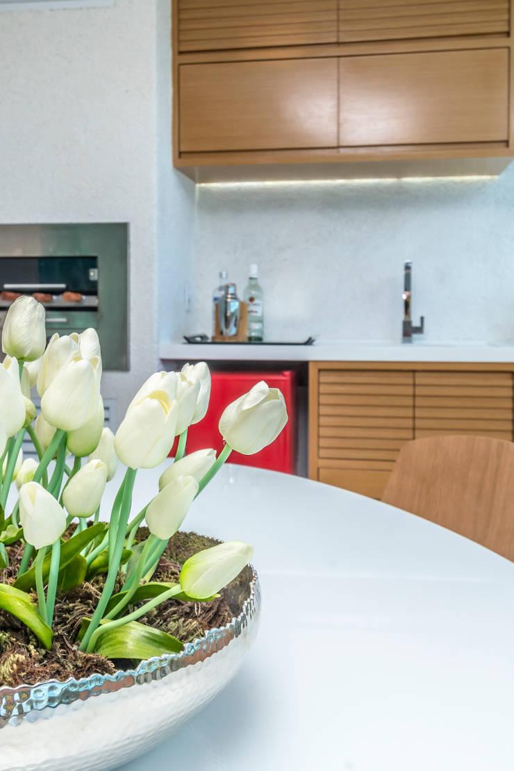 Varanda Gourmet – Tirol II: Terraços  por TRENNA ARQUITETURA