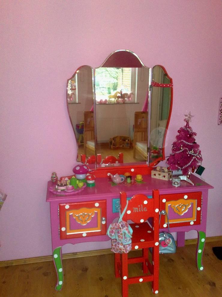 Kaptafel.:  Kinderkamer door Happykidsart