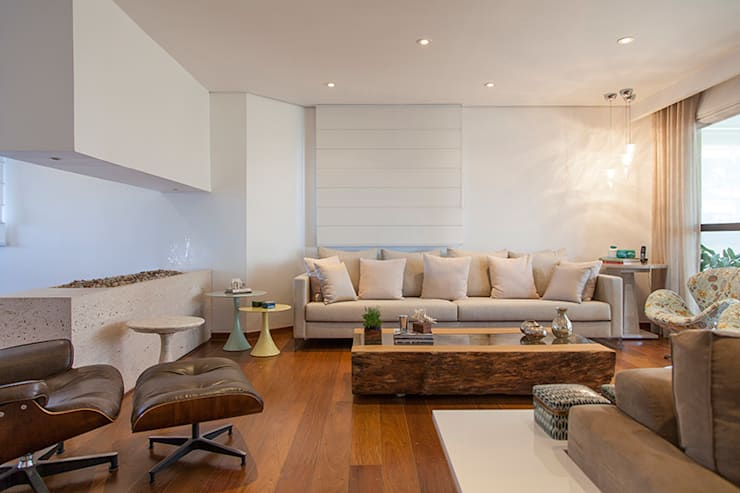 classic Living room by Helô Marques Associados