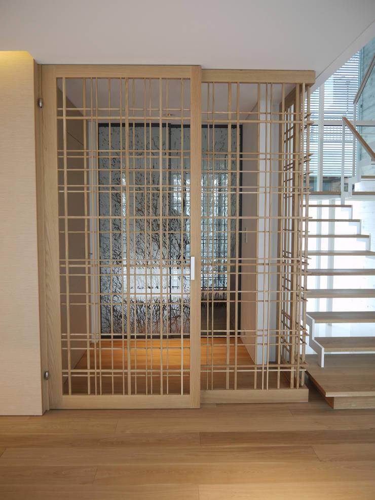 I house: ATELIER A+Aが手掛けた窓です。