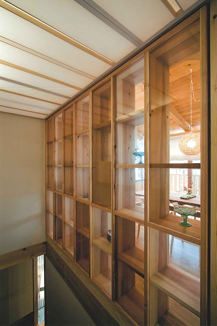 H house: ATELIER A+Aが手掛けた廊下 & 玄関です。