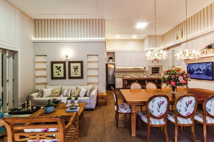 Projeto Residencial: Salas de jantar clássicas por Dani Santos Arquitetura