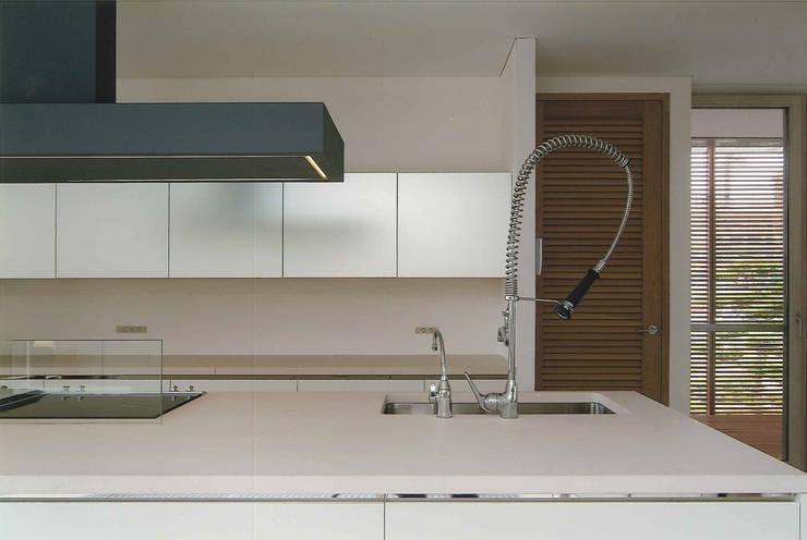 Ma house: ATELIER A+Aが手掛けたキッチンです。