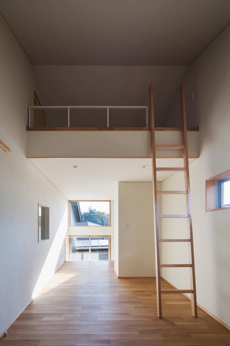 家族をつなぐスキップフロアの家-子ども室-: 小田達郎建築設計室が手掛けた子供部屋です。