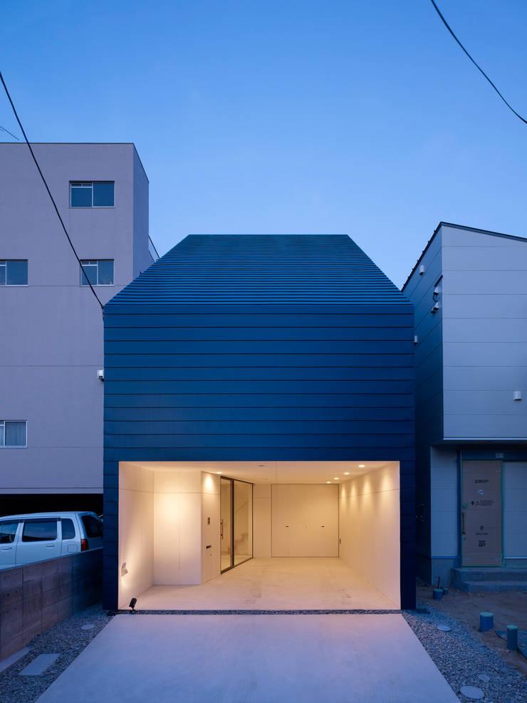 Minimalist house by SWITCH&Co. Minimalist