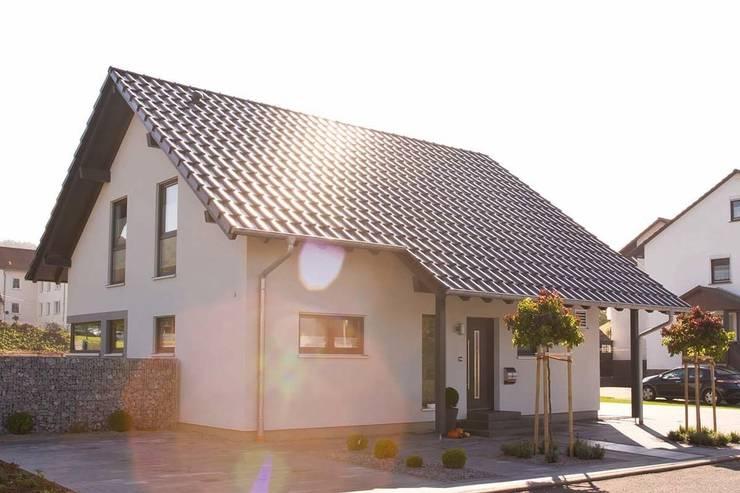 Detached home by FingerHaus GmbH