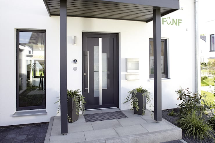 Front doors by FingerHaus GmbH - Bauunternehmen in Frankenberg (Eder)