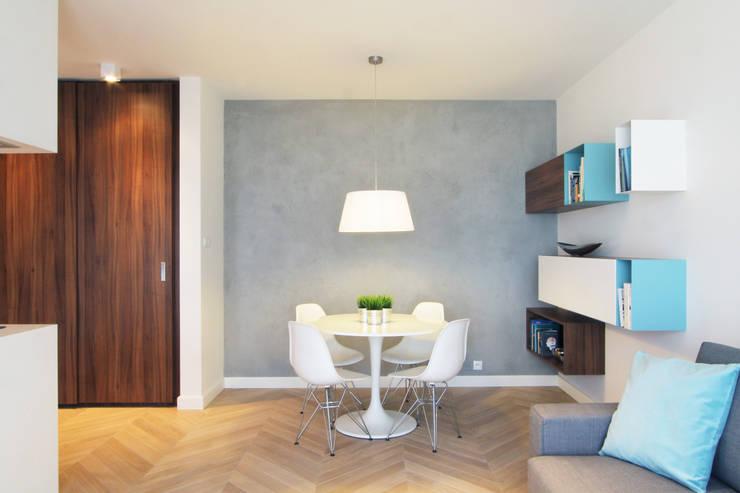 Mieszkanie na wynajem, Poznań: styl , w kategorii Jadalnia zaprojektowany przez Studio Nomo