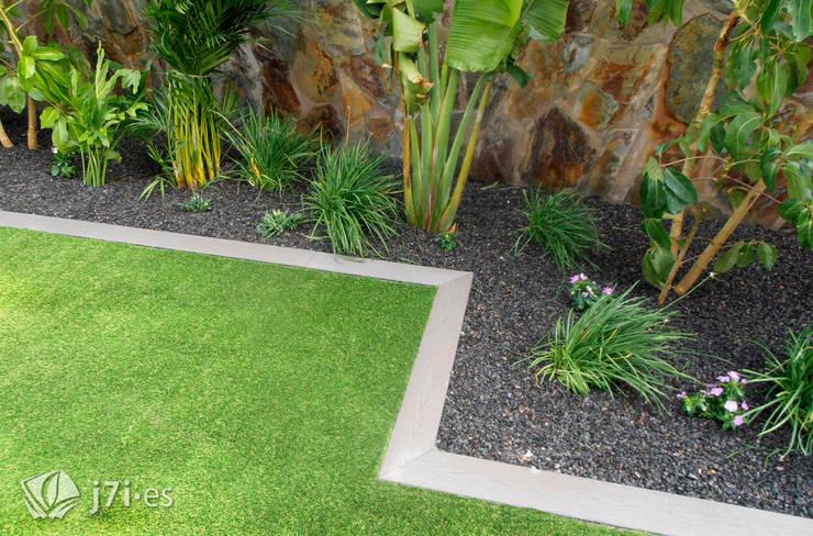 Jardines de estilo  por Jardineria 7 islas