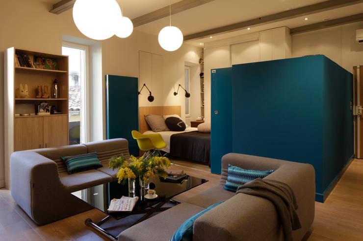 Loft à Nice: Salon de style de style eclectique par Archi Design
