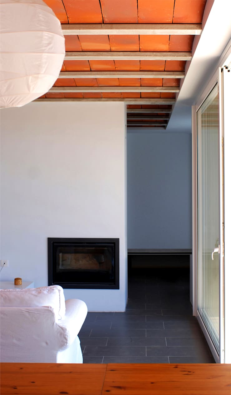Casa para Pau & Rocio: Comedores de estilo  de NUA Arquitectures