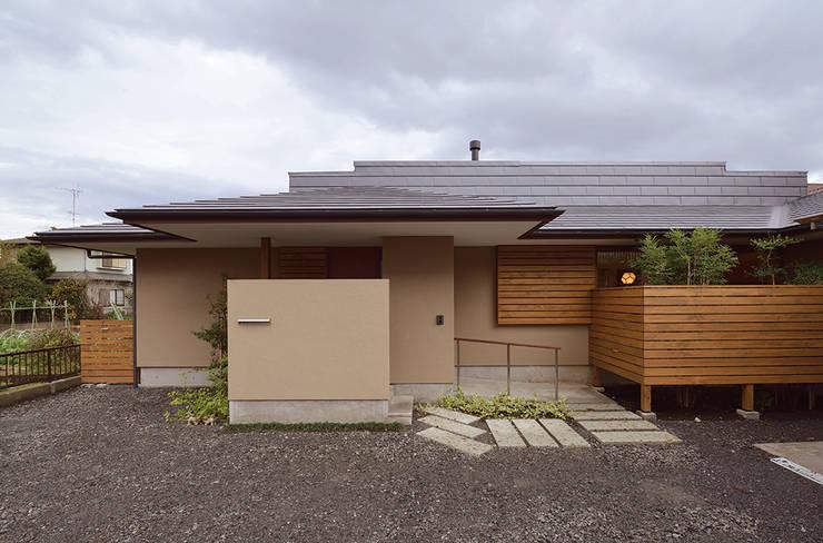 通り土間のある家: 松原正明建築設計室が手掛けた家です。
