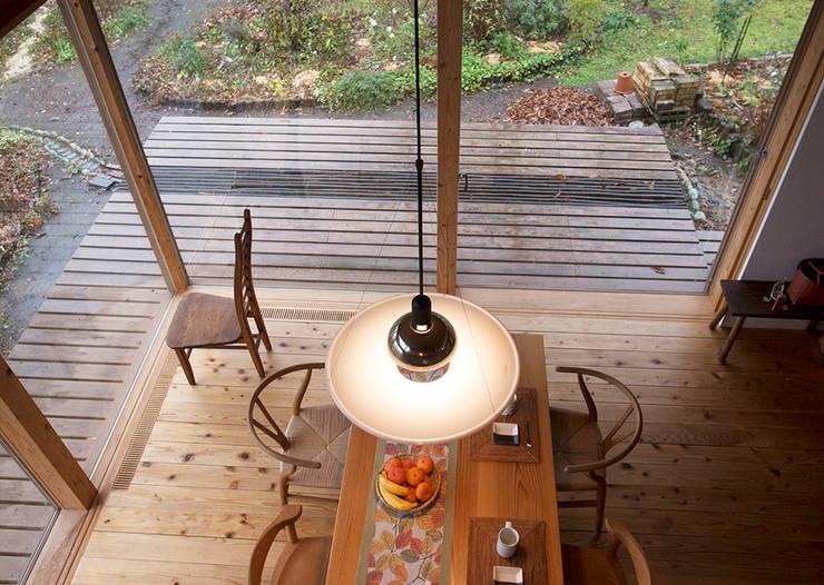 那須の週末住居: 松原正明建築設計室が手掛けたダイニングです。