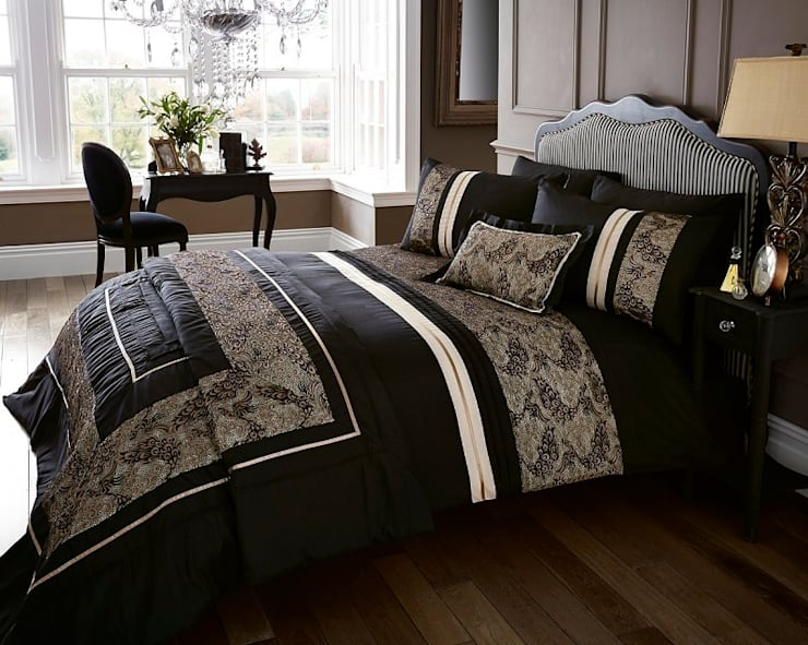 Alhambra,New Design Quilt Covers Sets & Accessories: modern  by Century Mills , Modern