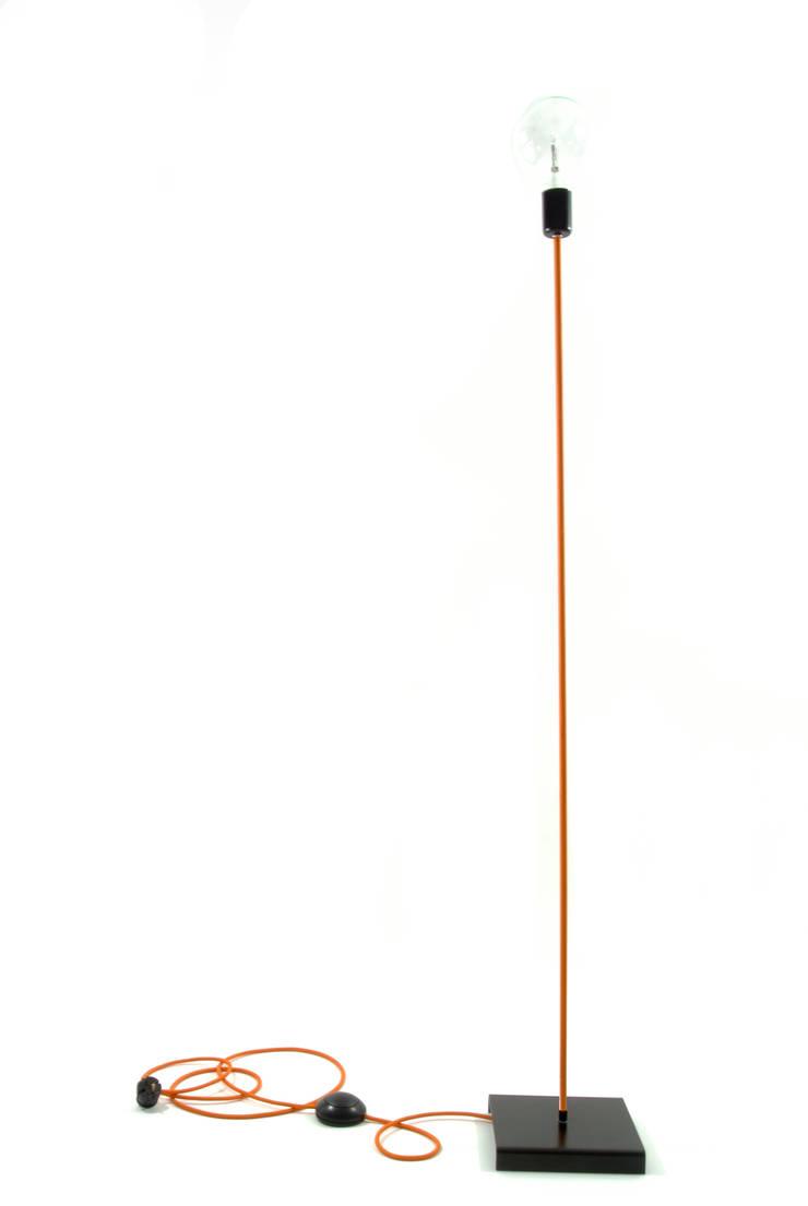 Lampa podłogowa iimndesign w kolorze pomarańczowym: styl , w kategorii Pokój dziecięcy zaprojektowany przez IMIN
