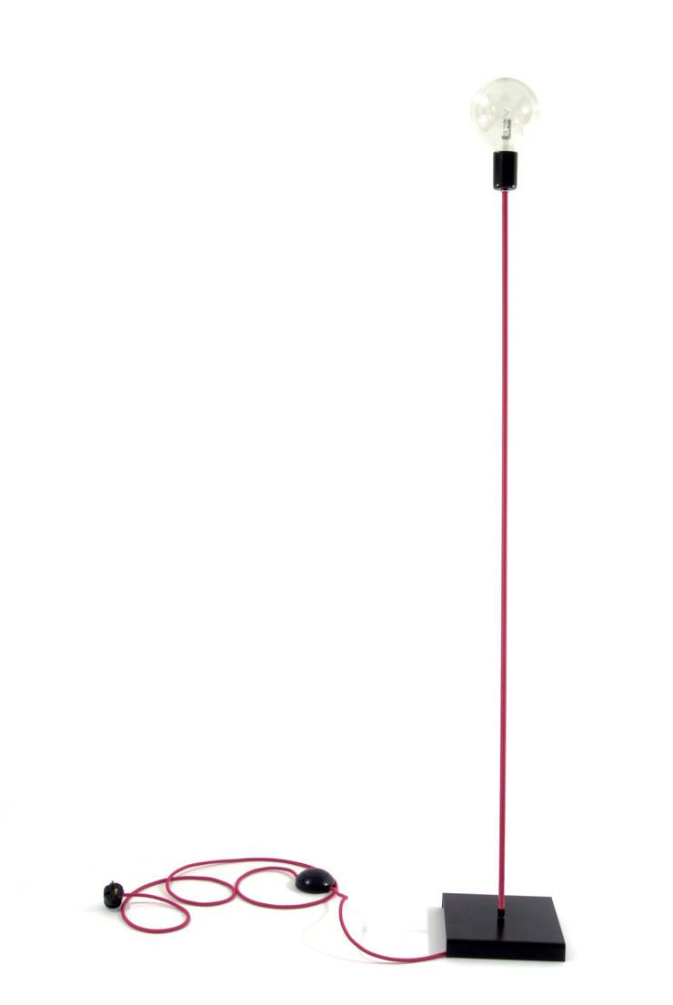 Lampa podłogowa iimndesign w kolorze różowym: styl , w kategorii Jadalnia zaprojektowany przez IMIN