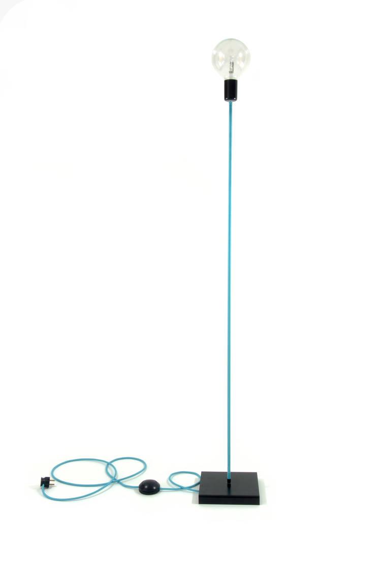 Lampa podłogowa iimndesign w kolorze turkusowym: styl , w kategorii Sypialnia zaprojektowany przez IMIN