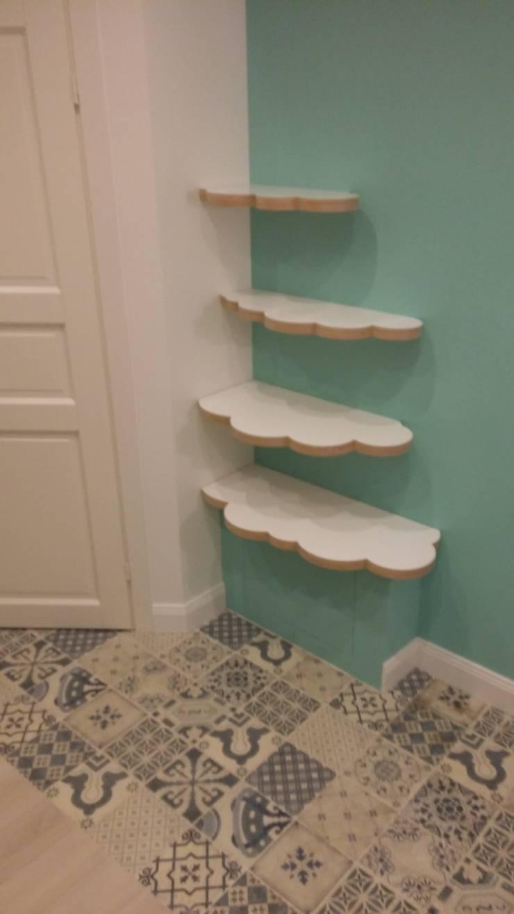 Прихожая Тоторо: Прихожая, коридор и лестницы в . Автор – Мастерские проекта Про.Движение>,