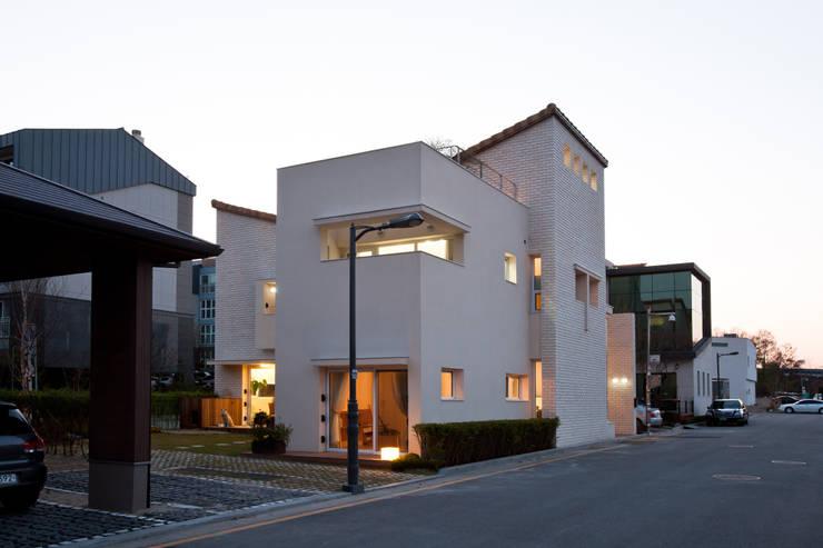 Rumah by (주)건축사사무소 아뜰리에십칠