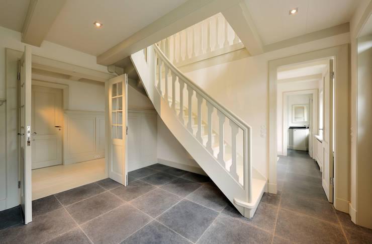 Eingangshalle:  Flur & Diele von Ralph Justus Maus Architektur