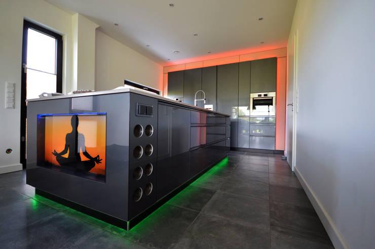 Moderne Kochinsel Mit Beleuchtung