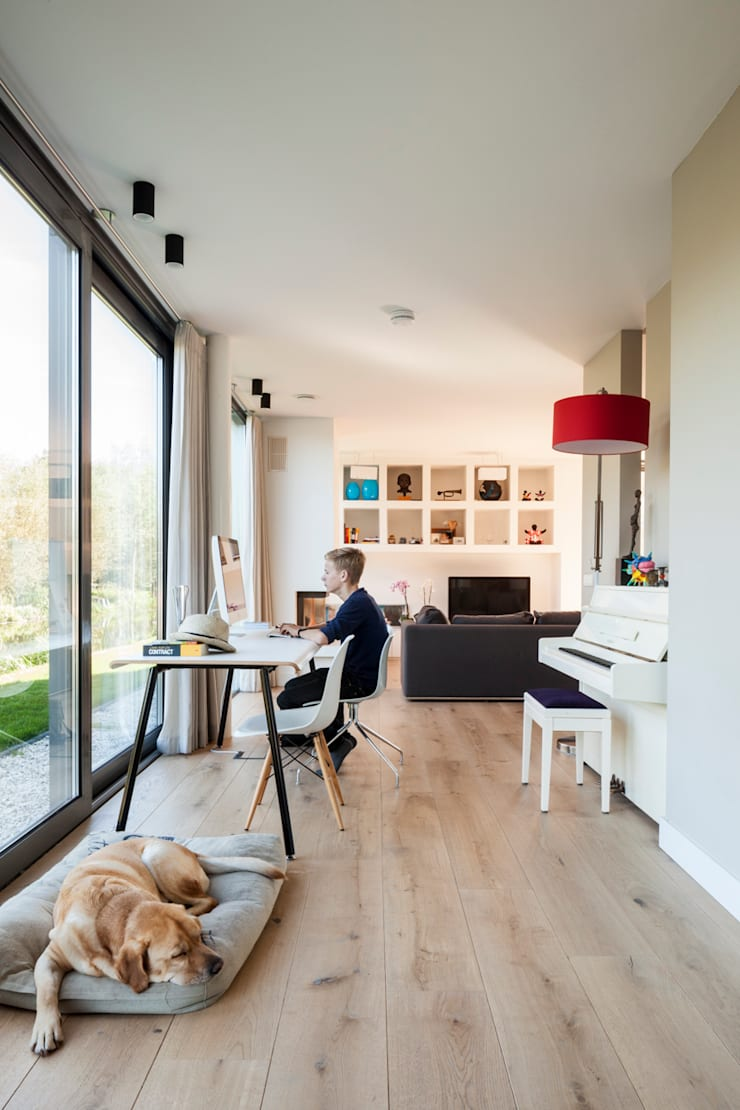 Woonhuis Kadoelen Amsterdam Noord:  Woonkamer door Équipe architectuur en urbanisme, Modern