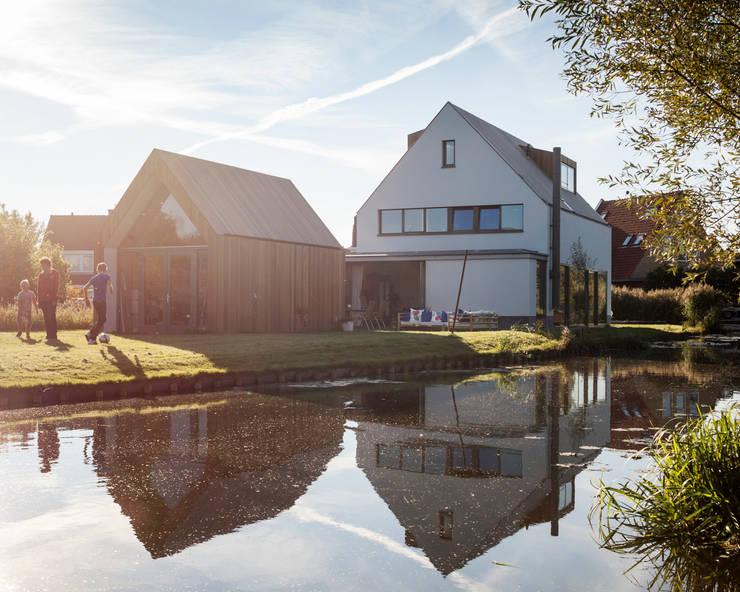 Woonhuis Kadoelen Amsterdam Noord:  Huizen door Équipe architectuur en urbanisme, Modern