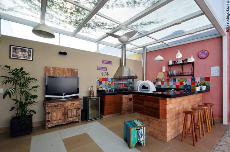 Terrazas de estilo  de Cláudia Hypolito Arquitetura & Interiores