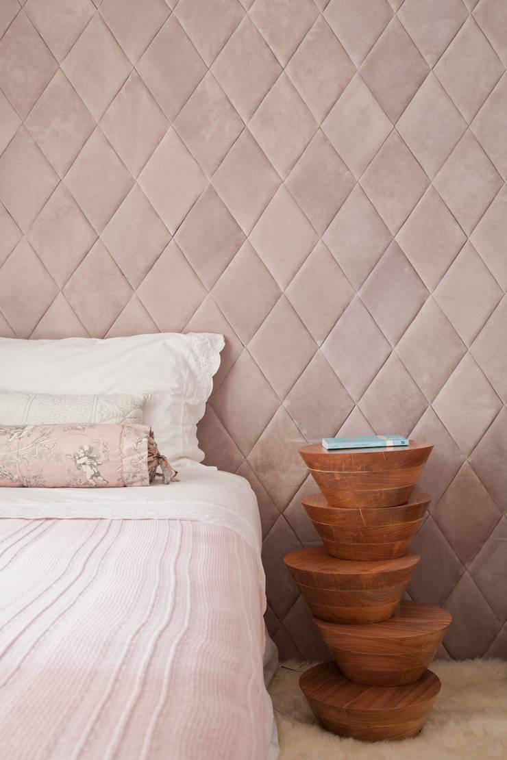 Dormitório: Quartos  por H2C Arquitetura