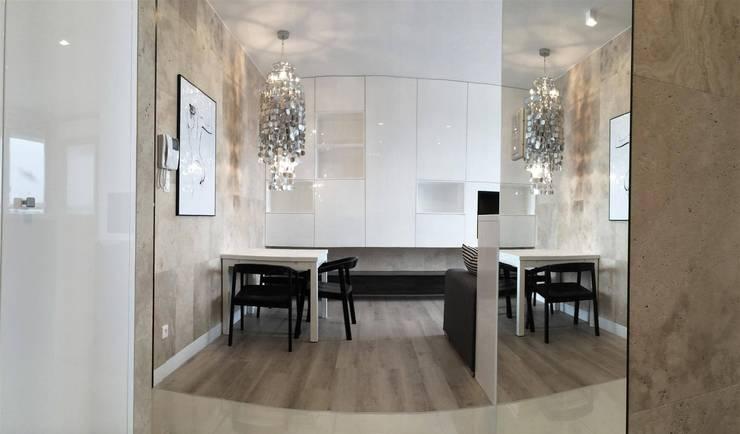 Mieszkanie Żoliborz: styl , w kategorii Jadalnia zaprojektowany przez Projektowanie Wnętrz Suspenzo,Nowoczesny