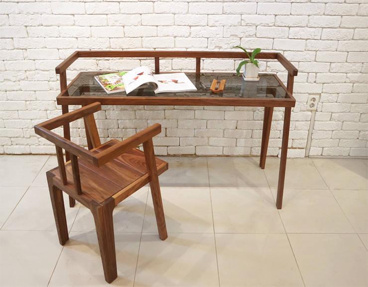 Grase desk: Design-namu의 현대 ,모던
