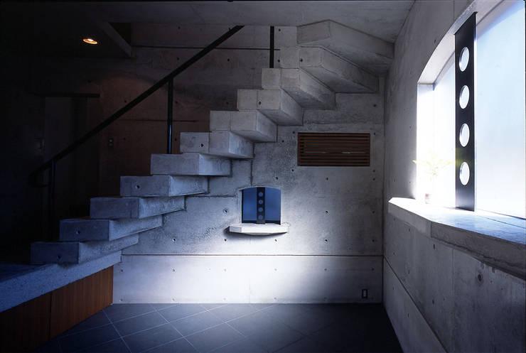 ギター練習場: 松井建築研究所が手掛けた和室です。