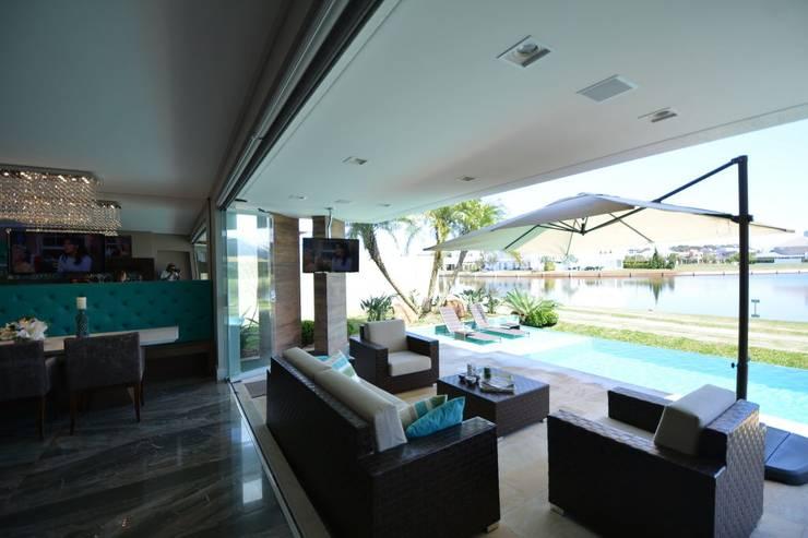 Terrace by Eliane Fanti Arquitetura, Modern