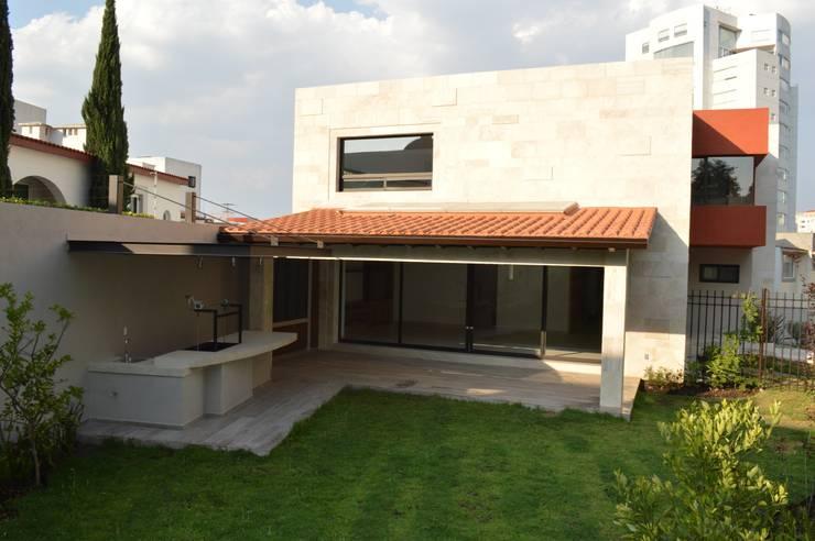 Terrace by Revah Arqs