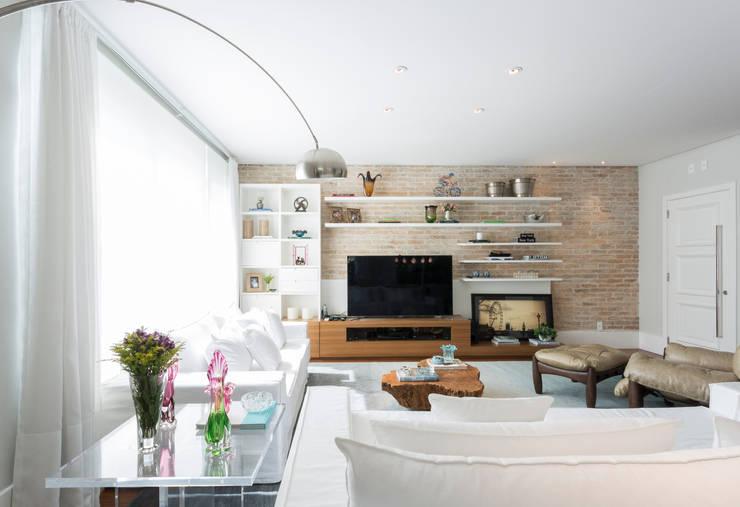 Casa Cidade Jardim: Salas de estar  por Boutique Arquitetura
