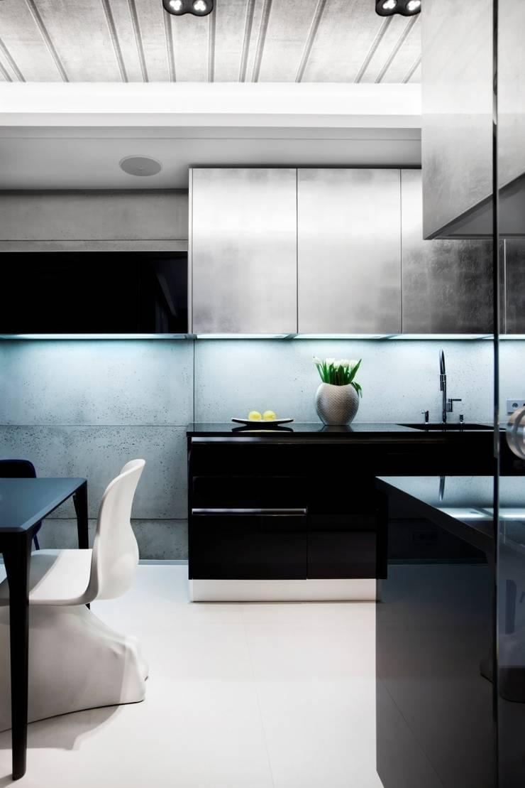 ART. – SPORT – RELAX  Warszawa – mieszkanie 90 m2 : styl , w kategorii Kuchnia zaprojektowany przez TG STUDIO,
