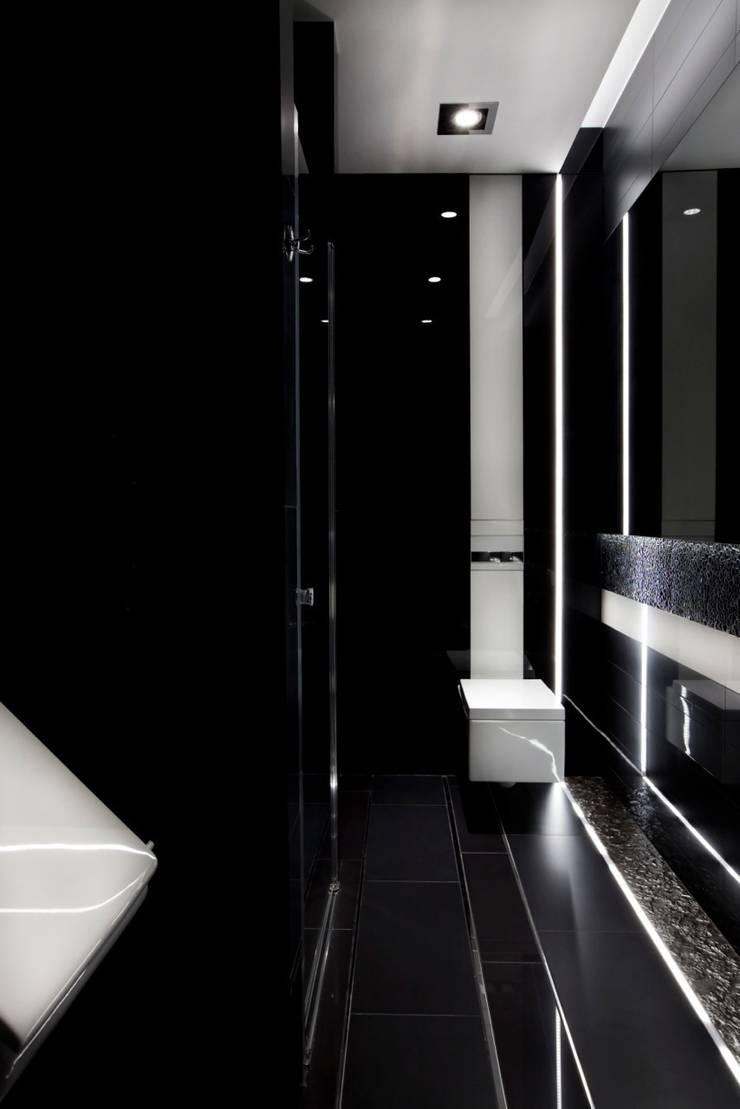 ART. – SPORT – RELAX  Warszawa – mieszkanie 90 m2 : styl , w kategorii Łazienka zaprojektowany przez TG STUDIO,