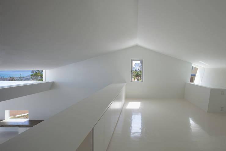 2階寝室: 森裕建築設計事務所 / Mori Architect Officeが手掛けた寝室です。