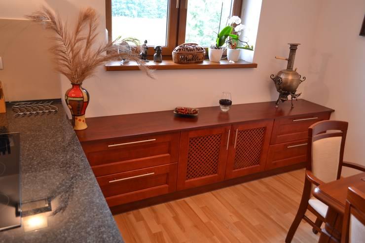 Cocina de estilo  por YO studio mebli