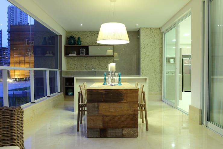 Apartamento Flamboyant: Salas de jantar  por Ana Paula e Sanderson Arquitetura,