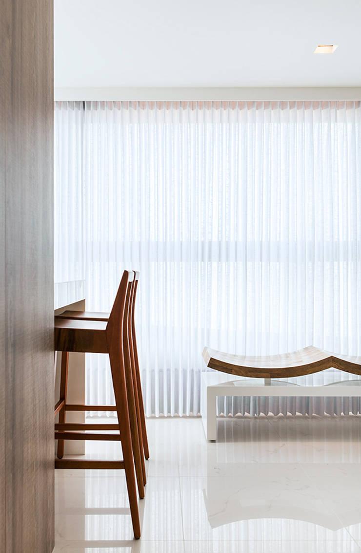 ทันสมัย  โดย André Caricio Arquitetura, โมเดิร์น