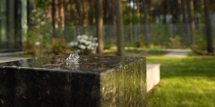 element wodny: styl , w kategorii  zaprojektowany przez Autorska Pracownia Architektury Krajobrazu Jardin ,