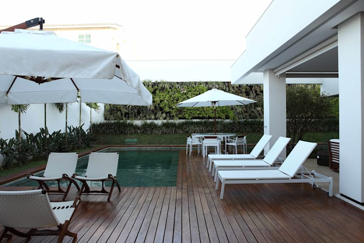 Pool by Ana Paula e Sanderson Arquitetura